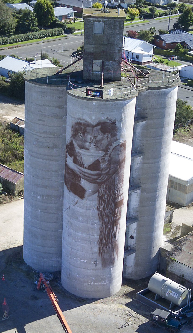 Giant Waimate silo murals making a mark on the district | Stuff co nz